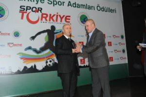 Tarkan Batgün'e Türkiye Spor Adamları Teknoloji Ödülü